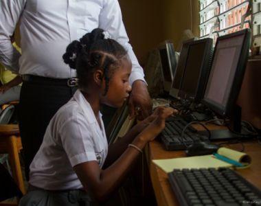 Trois nouvelles écoles dotées de salles informatiques à Martissant